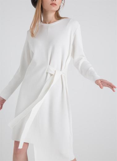 Rue Yanı Bağlamalı Triko Elbise Ekru